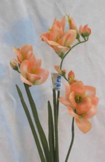 wedding floral peach freesia