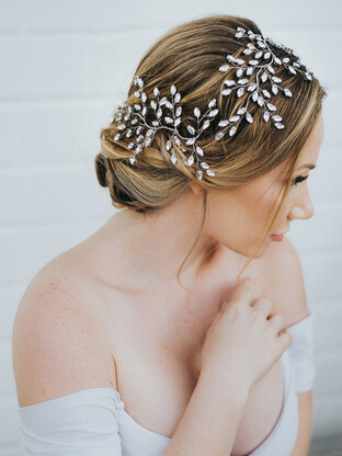 bridal hair jewelry trends