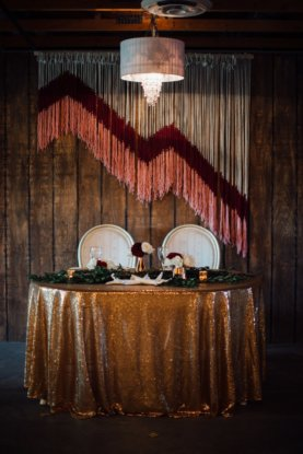 the-elegant-barn-babydoll-weddings-sweetheart-table